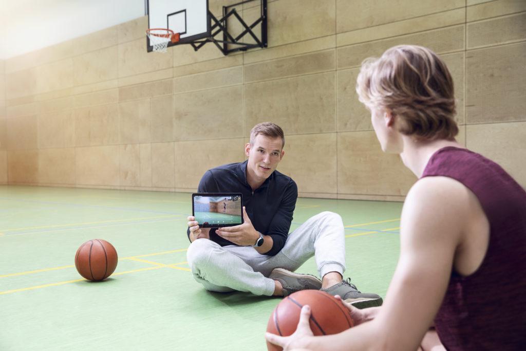 Digitalisierung Tablet Lehrer Computer Samsung Schule Sport
